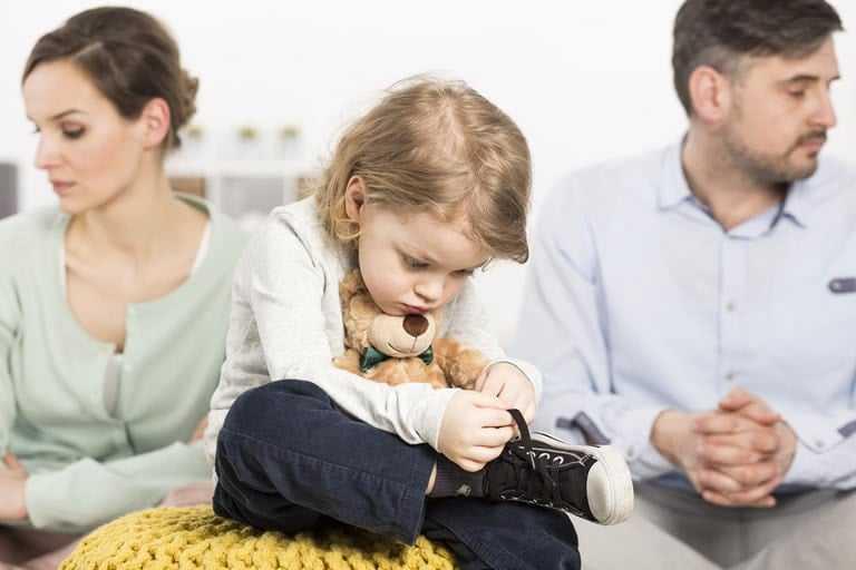Annenin Başkasıyla Evlenmesinden Dolayı Velayetin Anneden Alınmaması